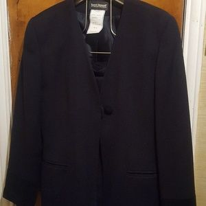 Women's Navy Blue Wool Suit (size 8)